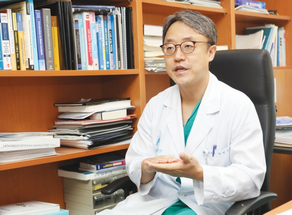 Asan Medical Center's Professor Park Duk-woo. Photo by Kim Min-soo for The Medical Observer.